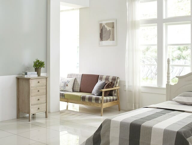 house sale - staged bedroom & How To Successfully Stage Your Bedroom For A House Sale - Storing.com