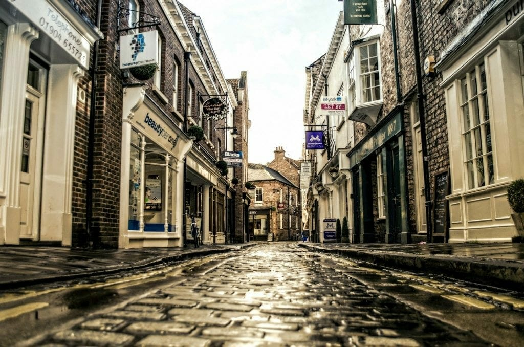 High Street Estate Agents for A House Move