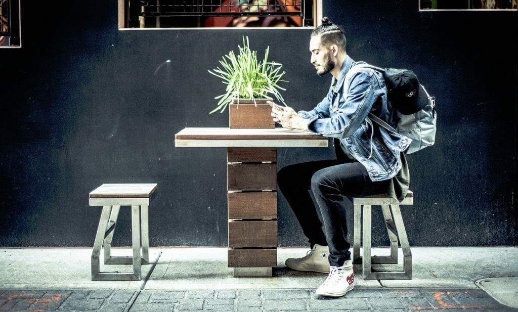 Online business worker